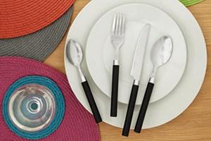 The Basics 16 Piece Cutlery Set